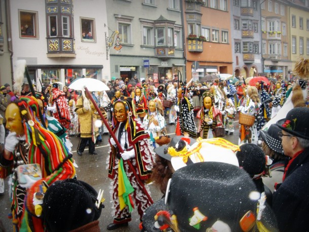 Traditioneller Narrensprung in Rottweil
